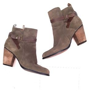 Ivanka Trump suede leather ankle boots sz 9